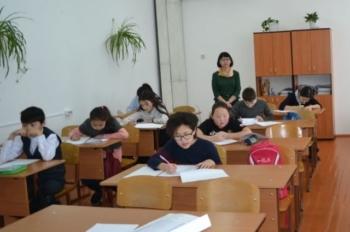 В России начали выплачивать родителям школьников по 10 000 рублей